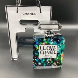 KARL CHOUPETTE - Fred Meurice - sac et flacon Chanel numéro 5